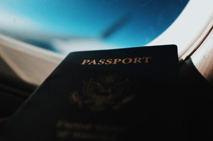 Passaporte - Visto - Photo by Blake Guidry on Unsplash