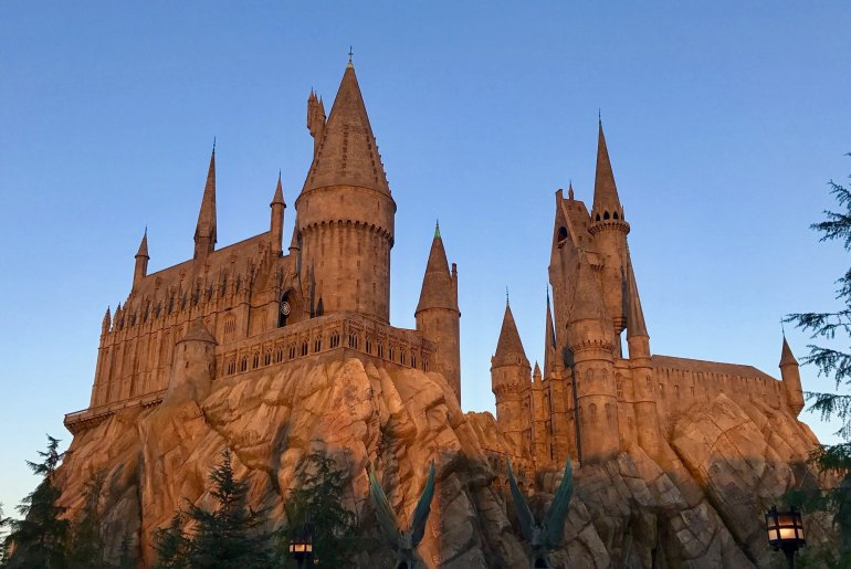 The Wizarding World of Harry Potter - Universal Orlando - Hogwarts - Photo by James & Carol Lee on Unsplash