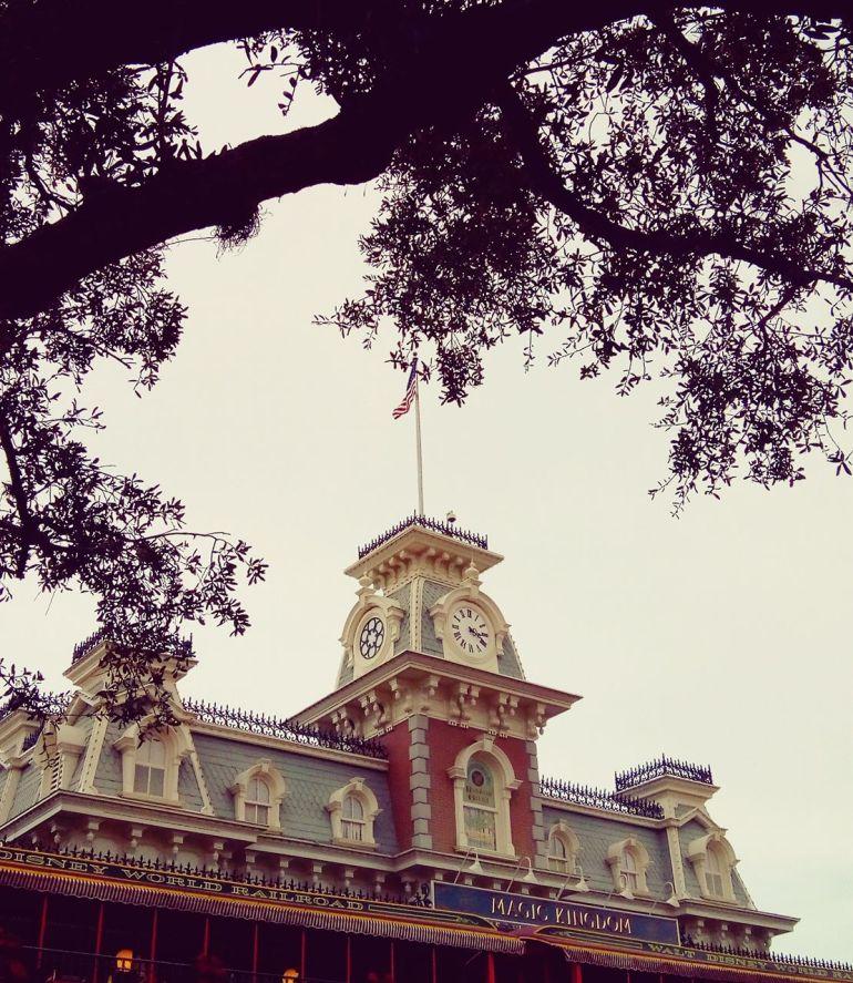 Inaugurado na Flórida no dia 1º de outubro de 1971, o Magic Kingdom marca também o ponto inicial do Walt Disney World