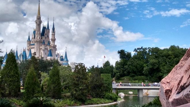Mesmo não sendo o maior parque da Disney, o Magic Kingdom é o parque temático mais visitado do mundo