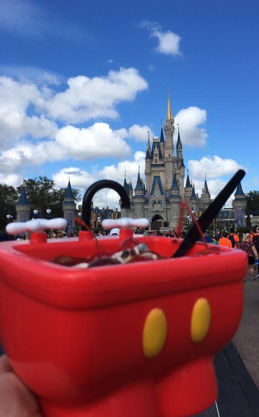 """A Mini Mickey Sink Sundae, que de """"mini"""" não tem nada"""